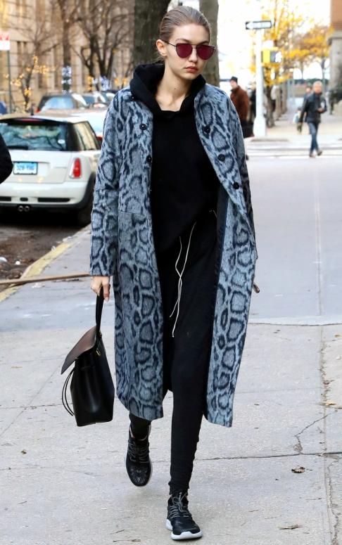 Gigi Hadid arriving at a photo studio in New York City Pictured: Gigi Hadid Ref: SPL1409805 131216 Picture by: NIGNY / Splash News Splash News and Pictures Los Angeles: 310-821-2666 New York: 212-619-2666 London: 870-934-2666 photodesk@splashnews.com