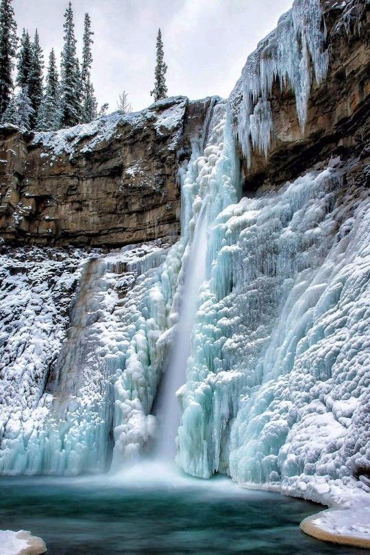 cresent falls